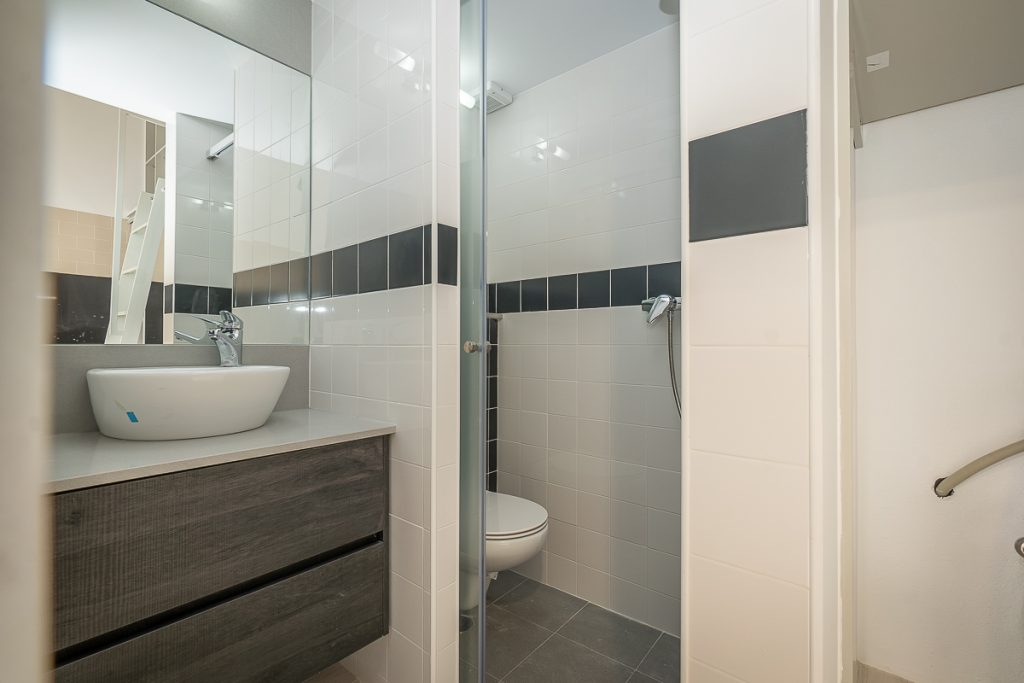 Casa de banho com duche